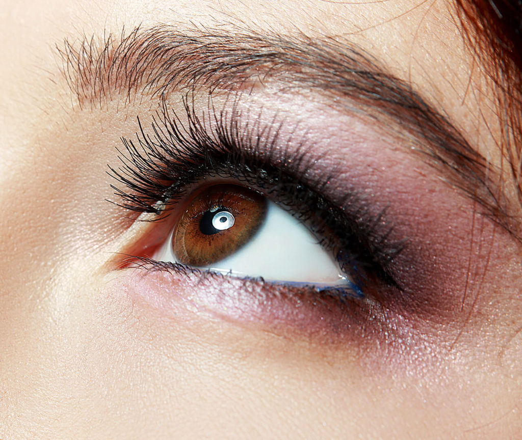 Our lash lifting & tinting services enhance the look of your natural lashes.